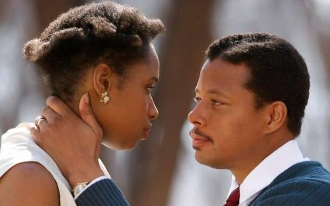 Jennifer Hudson e Terrence Howard em cena de 'Winnie Mandela'