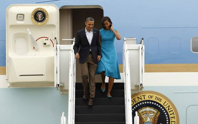 Barack Obama e a primeira-dama Michele Obama chegam a columbus, Ohio