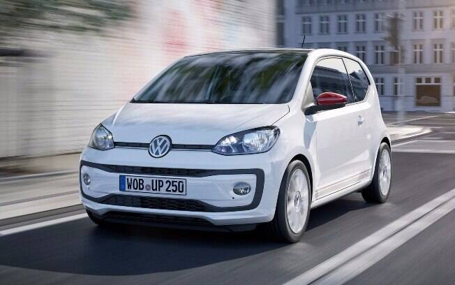 Renovado, o Volkswagen Up! ganha interior mais refinado e nova central multimídia de cinco polegadas.