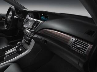 Interior do Honda Accord 2016