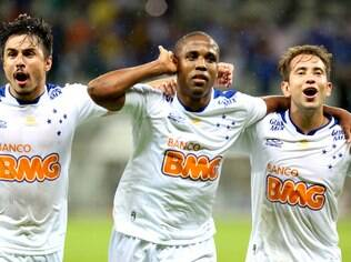 Borges comemora gol do Cruzeiro com Willian e Everton Ribeiro