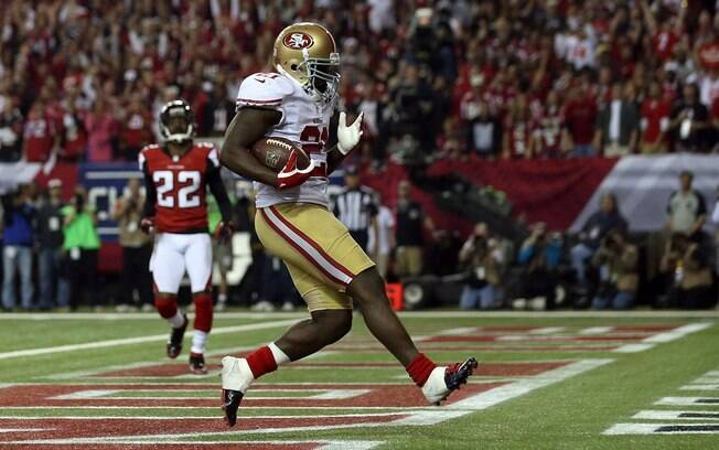 Gore marca touchdown decisivo para o 49ers diante do Atlanta Falcons