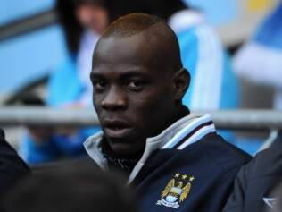 Mario Balotelli coleciona polêmicas no City