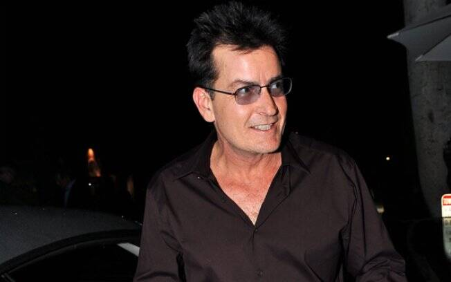 Charlie Sheen gravou vídeo educativo para adolescentes carentes aspirantes a cineastas