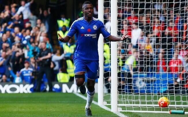 Ramires se despediu do Chelsea rumo à China