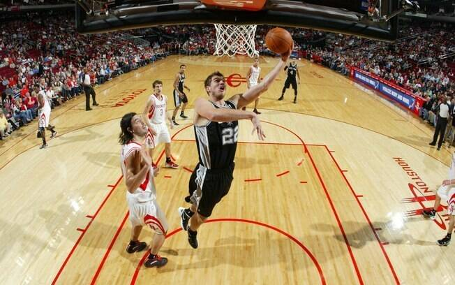 Tiago Splitter marcou 25 pontos na derrota do San Antonio Spurs para o Houston Rockets