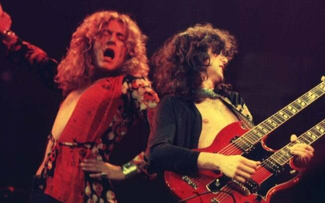 Robert Plant e Jimmy Page em show do Led Zeppelin em Chicago, 1975