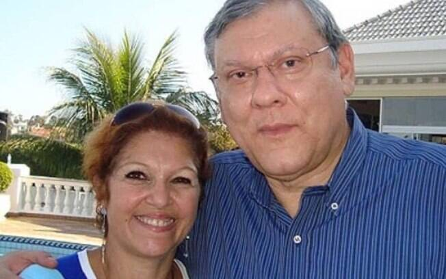 Milton Neves com a esposa