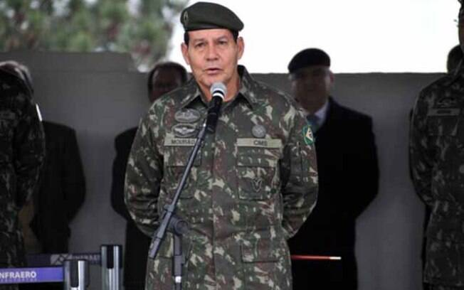 General reformado do Exército Antonio Hamilton Martins Mourão