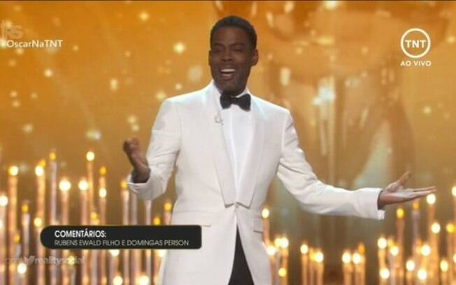 O apresentador Chris Rock durante a cerimônia do Oscar neste domingo