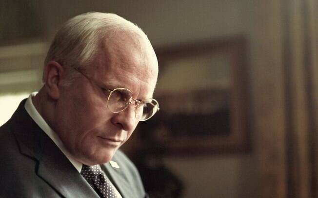 Christian Bale como Dick Cheney em