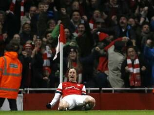 Rosicky comemora gol do Arsenal