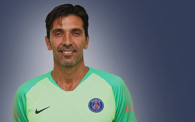 Gianluigi Buffon é o novo goleiro do Paris Saint-Germain