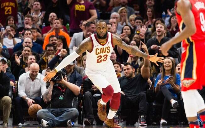 LeBron James bateu recorde de Michael Jordan na NBA