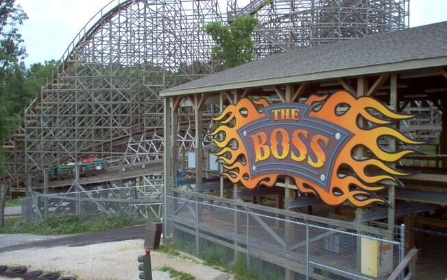 Entrada da montanha russa Boss, no Six Flags St. Louis