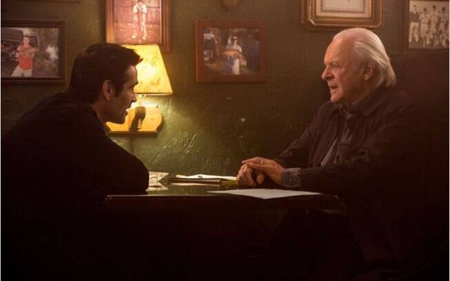 Colin Farrell e Anthony Hopkins em cena do filme