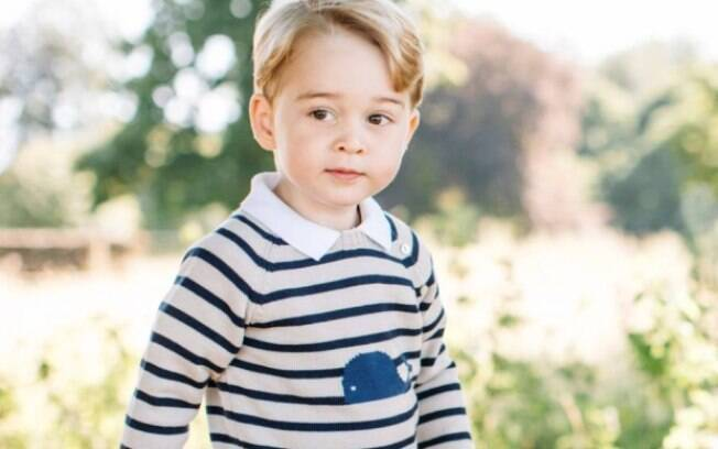 Príncipe George é o filho mais velho do duque e a duquesa de Cambridge, o príncipe William e a esposa, Kate Middleton