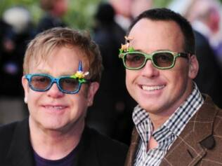 Elton John e David Furnish: pais felizes
